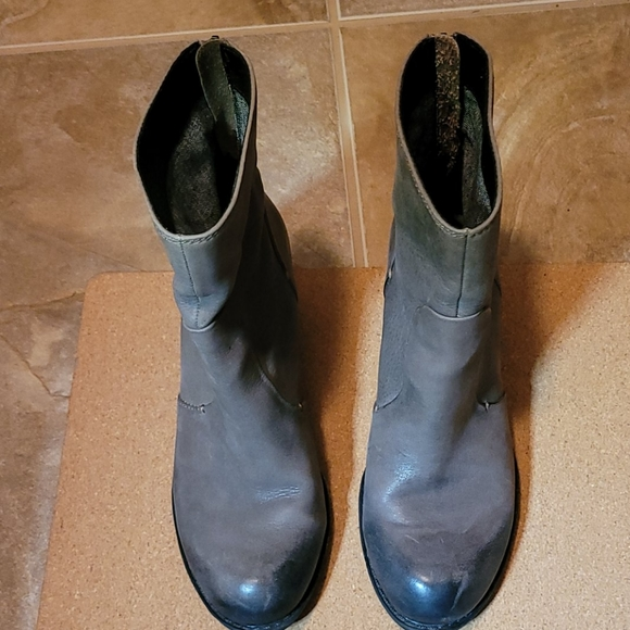 Gray Vintage look Boots, Zipper